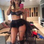 hot-femme-noire-nue-dans-le-40-en-photo