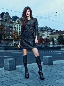 belles-femmes-en-cuissardes-112