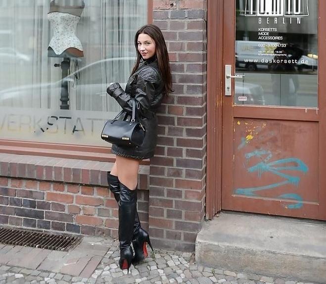 femme-cuissardes-cuir-045