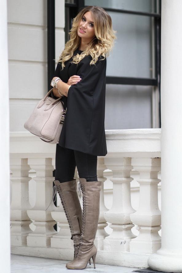 femmes-belles-en-cuissardes-cuir-145