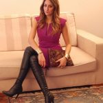 photo-de-femme-avec-des-bottes-ou-cuissarde-215