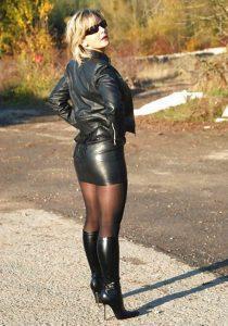 photos-de-femmes-en-cuissardes-136