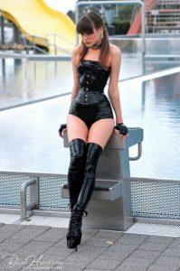 photos-femmes-bottes-cuissardes-61