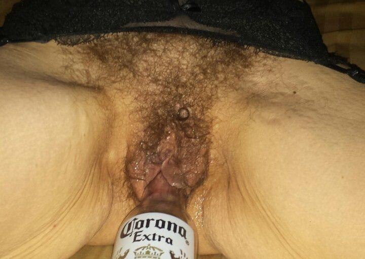 femme au vagin poilu dans le 31 en photo