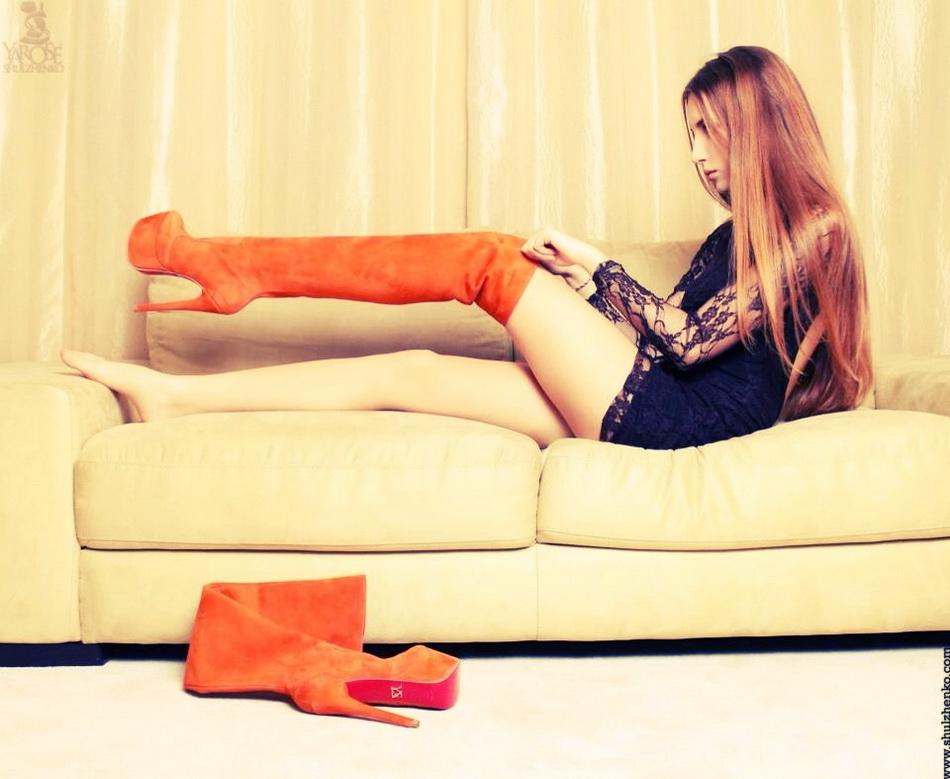 belles-femmes-en-cuissardes-et-cuir-150