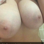 fille-du-28-se-met-nue-en-photo-sur-snap-hot