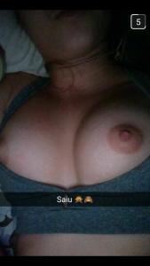 fille-du-31-se-met-nue-en-photo-sur-snap-hot