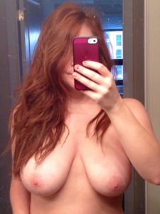 plan-cul-snap-dans-le-33-avec-fille-nue-hot