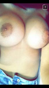 snapchat-de-cochonne-du-40-nue-et-sexy
