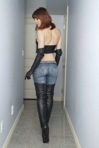 belles-filles-en-bottes-cuissardes-105