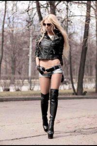 femmes-avec-cuissardes-012