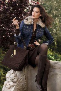 femmes-belles-en-cuissardes-cuir-039