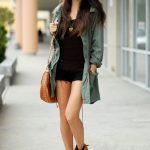 femmes-belles-en-cuissardes-cuir-048