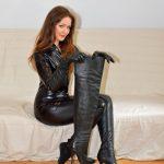photo-de-femme-avec-des-bottes-ou-cuissarde-186