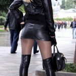 photos-femmes-cuir-cuissardes-068