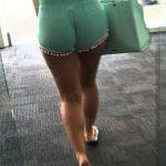 coquine du 73 nue en photo montre ses fesses