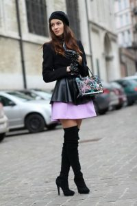 belles-photos-de-femmes-cuissardes-110