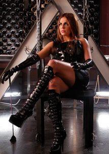 blog-femme-cuissarde-cuir-sexy-055