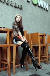 blog-femmes-sexy-bottes-cuissardes-096