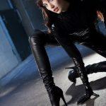 femme-cuissardes-cuir-031