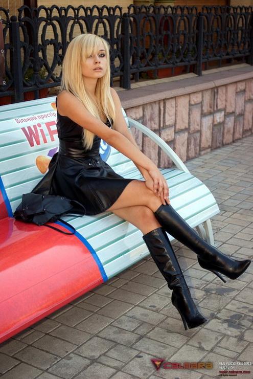 photo-de-femme-avec-des-bottes-ou-cuissarde-227