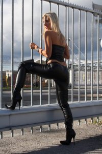 photo-femme-cuissarde-117