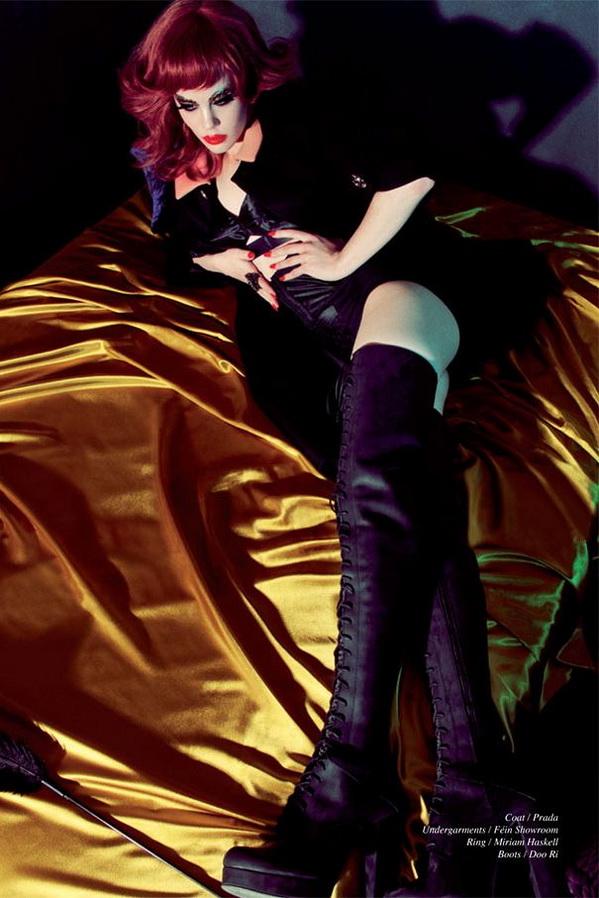 photo-sexy-de-femmes-en-cuissardes-051