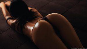 Photo de femme sexy du 26 string érotique