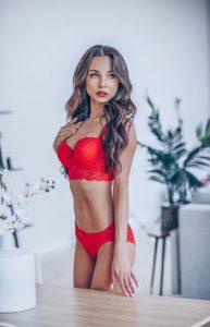 belle femme du 48 lingerie coquine