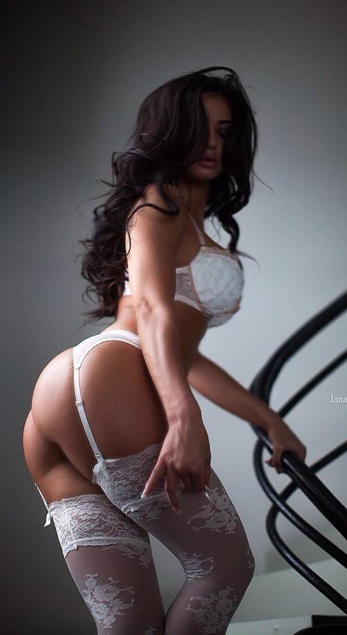 femme du 11 sexy en lingerie érotique