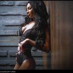 femme du 44 sexy en lingerie érotique