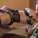 femme du 45 sexy en lingerie érotique
