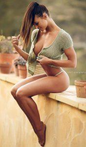 femme du 47 sexy en lingerie érotique