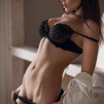 femme du 92 sexy en lingerie érotique