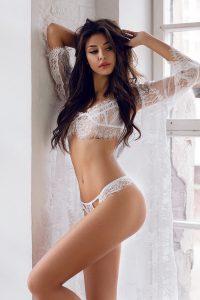 femme sexy coquine du 58