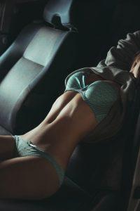 fille du 90 en tenue sexy photo
