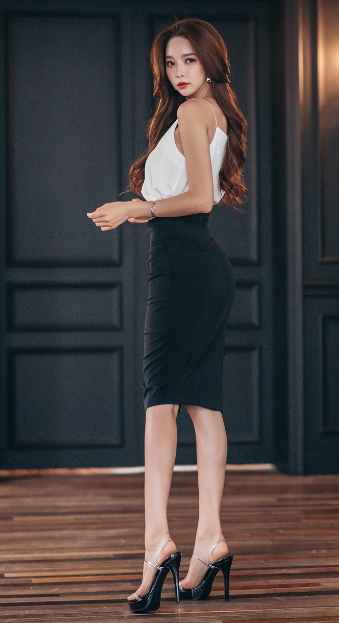 hot sexy jeune femme du 48