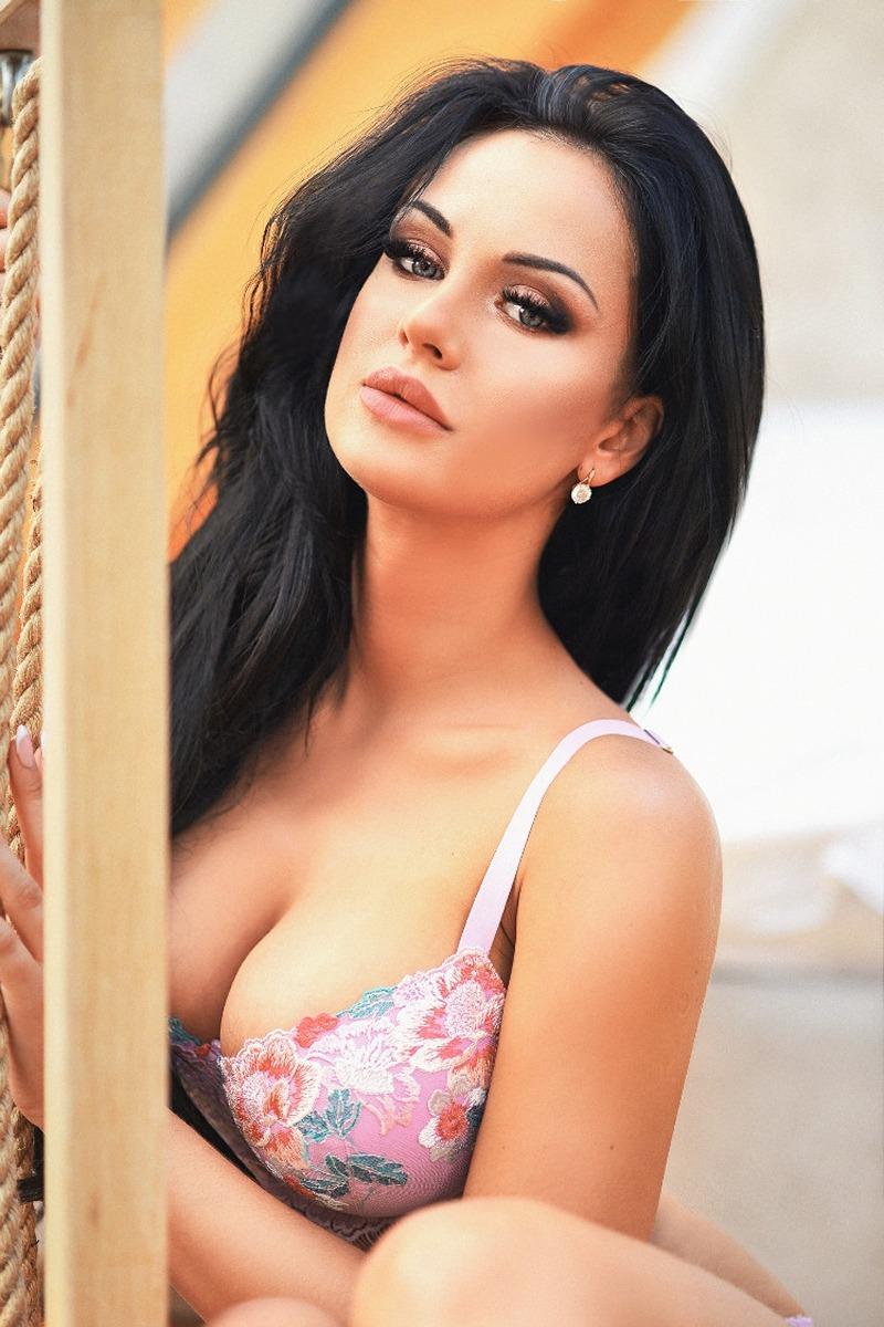 jeune femme du 10 très hot