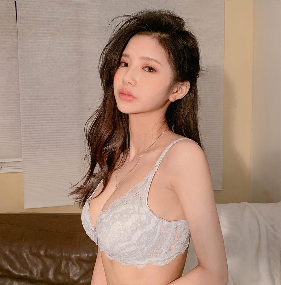 jeune femme du 16 très hot