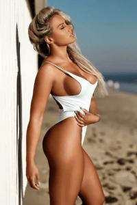jeune femme du 45 très hot