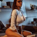 jeune femme du 48 très hot