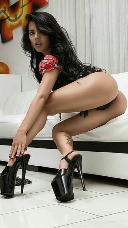 jeune femme sexy du 80 en photo sexe