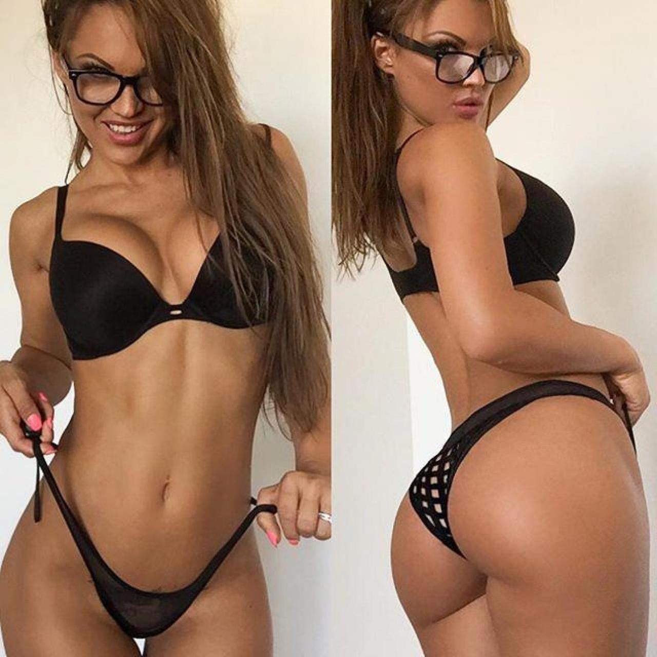 selfie sexy belle femme en string du 37